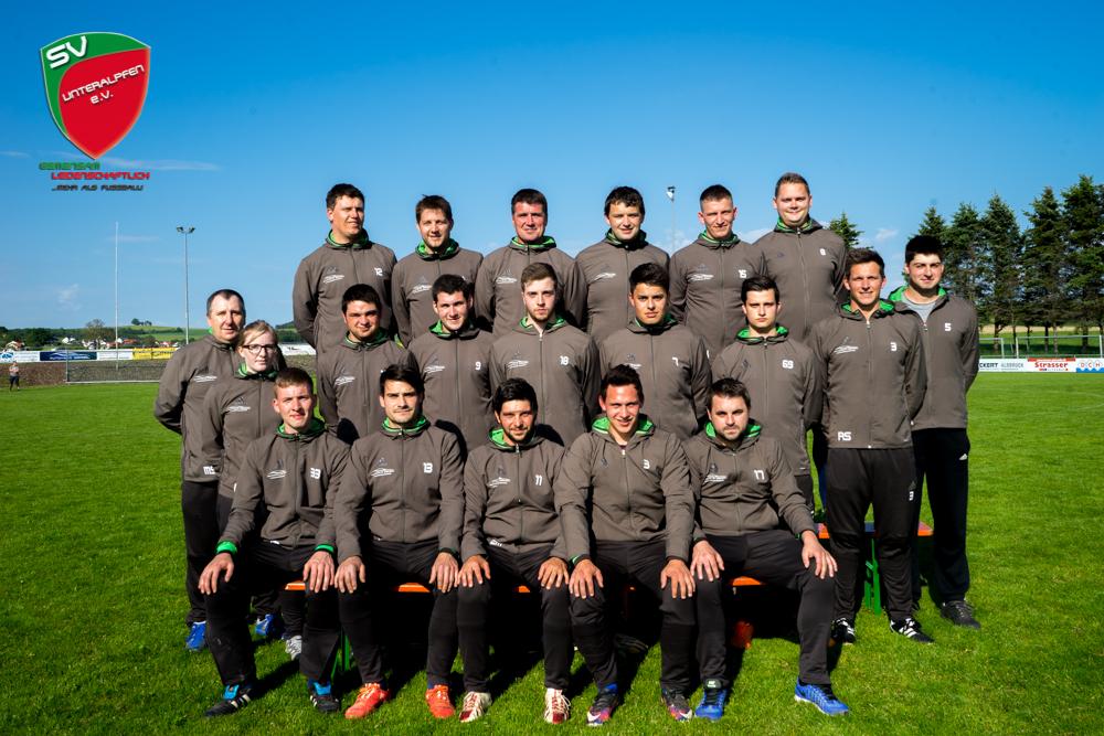 2015-2016_Mannschaftsbild_SVU2_Trainingsanzug_1000px
